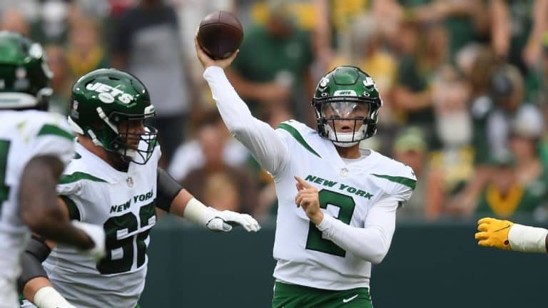New York Jets rookie quarterback Zach Wilson scores two touchdowns in a near perfect performance